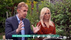 The Speakmans curing a lady with a snake phobia on This Morning